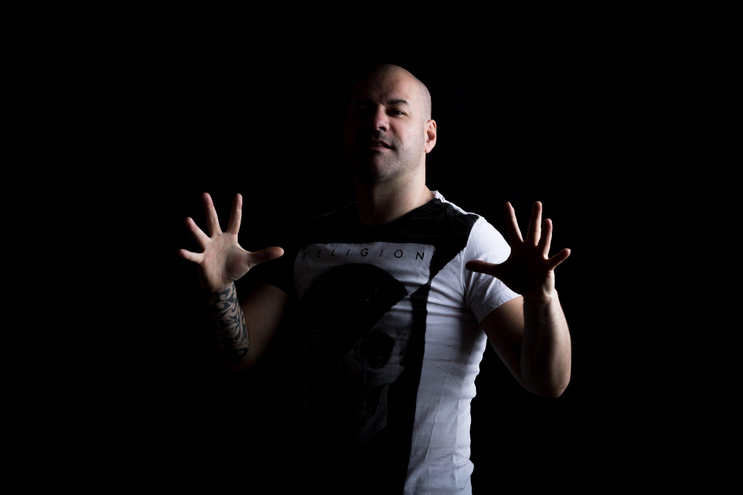 Alex Di Stefano vystoupí na začátku srpna v Praze